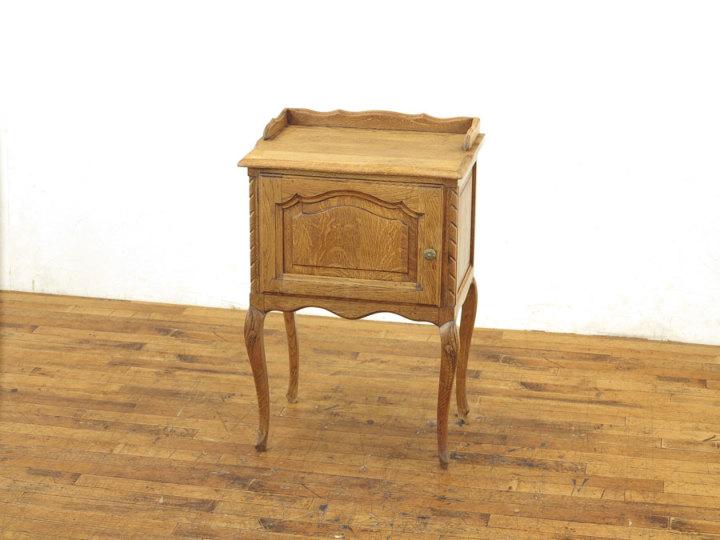 アンティーク家具 ナイトテーブル