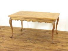 フランスドローリーフテーブル